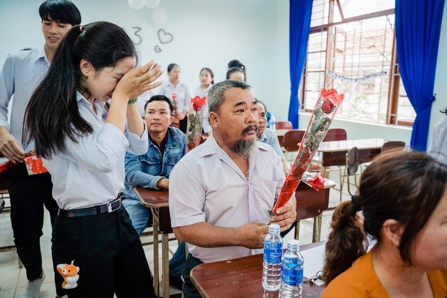 Ảnh kỷ yếu rơi nước mắt của học sinh Vũng Tàu-3