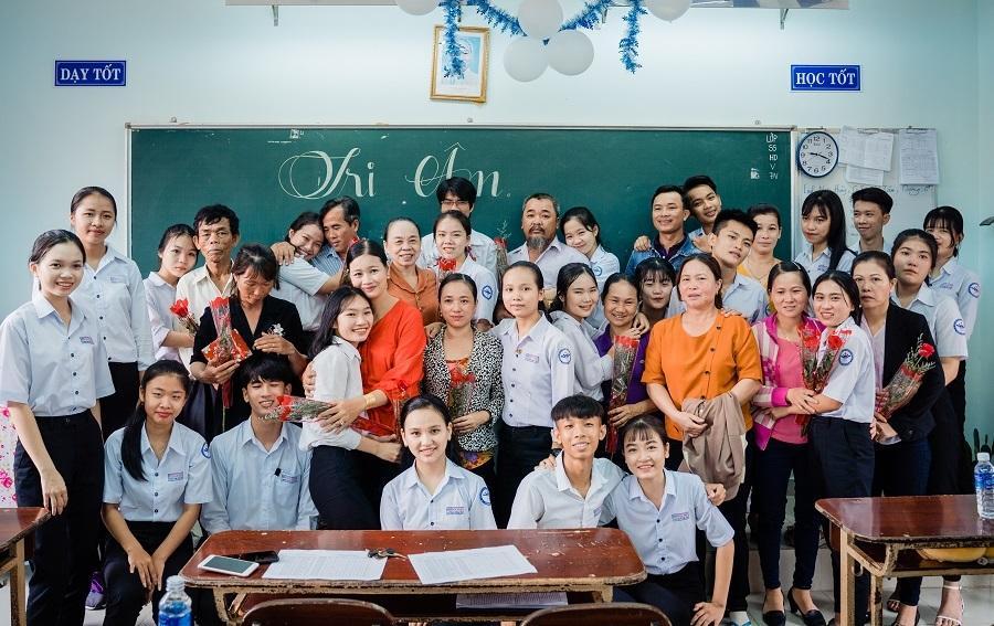 Ảnh kỷ yếu rơi nước mắt của học sinh Vũng Tàu-4