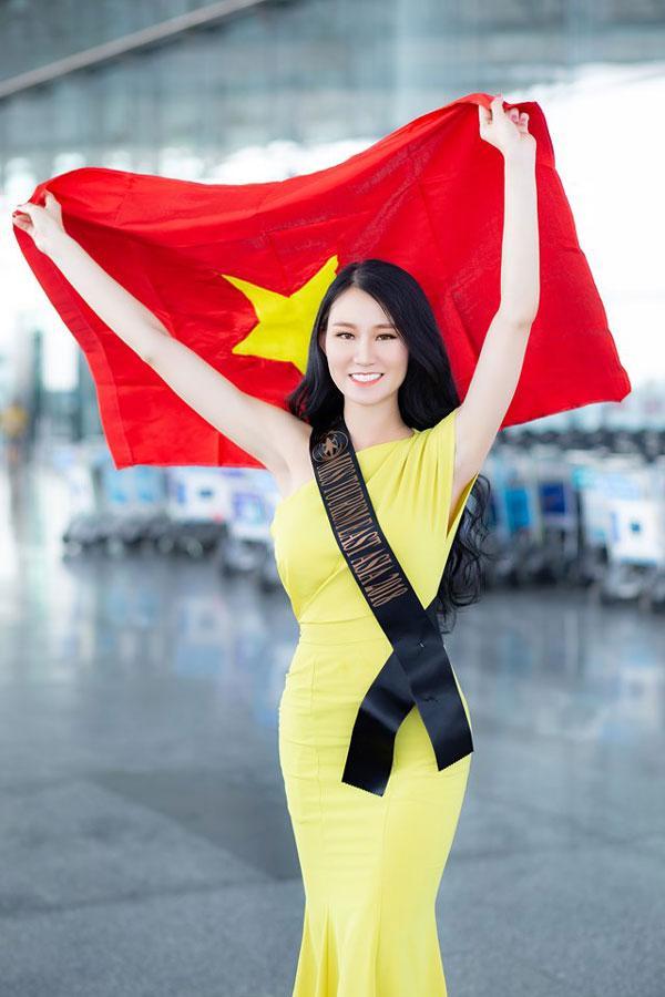 Phạm Lan Anh rạng rỡ lên đường dự Hoa hậu du lịch thế giới 2019-1