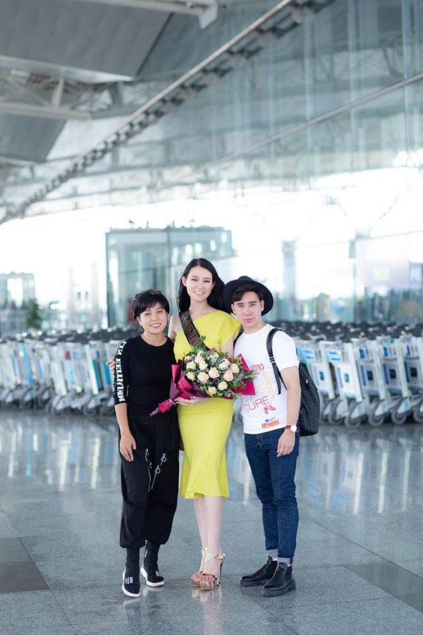 Phạm Lan Anh rạng rỡ lên đường dự Hoa hậu du lịch thế giới 2019-5