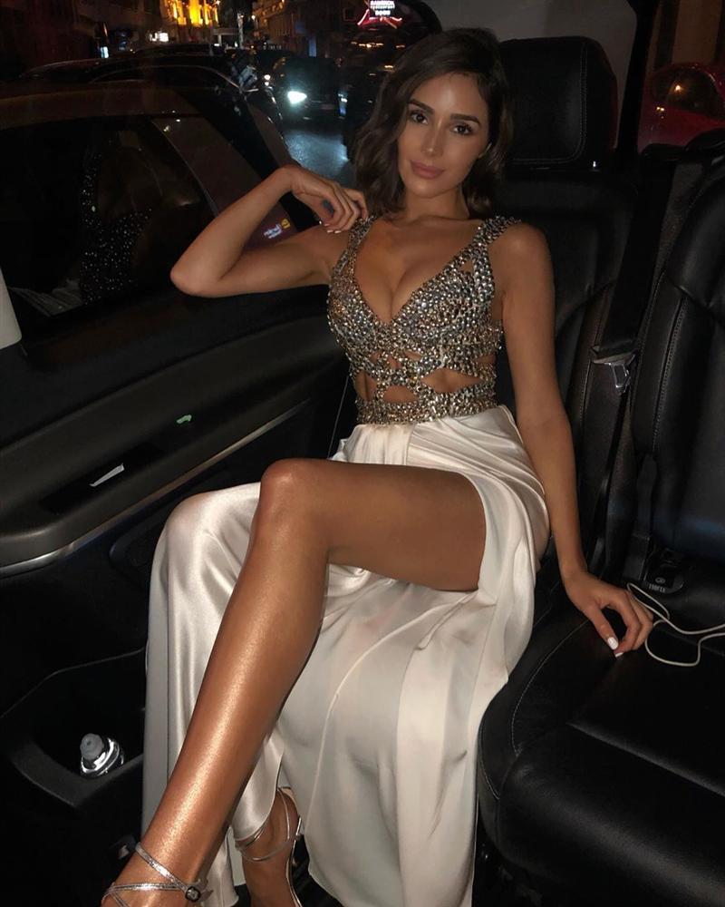 Bản tin Hoa hậu Hoàn vũ 21/5: Đại mỹ nữ khét tiếng sexy cũng vái cả nón khi nhìn chiếc váy của Ngọc Trinh tại Cannes-1