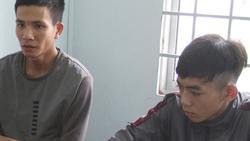 Hai thanh niên dùng súng tự chế 'nã đạn' vào nhà dân