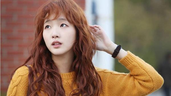 Nhan sắc đẹp lạ của nữ chính đóng cặp cùng Lee Min Ho trong phim mới-4