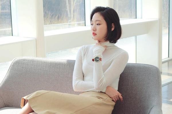 Nhan sắc đẹp lạ của nữ chính đóng cặp cùng Lee Min Ho trong phim mới-7
