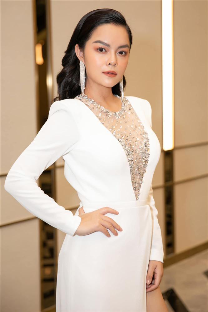 Sinh nhật Nhã Phương mà Phạm Quỳnh Anh đẹp lấn át cả nhân vật chính lẫn toàn bộ khách mời-2