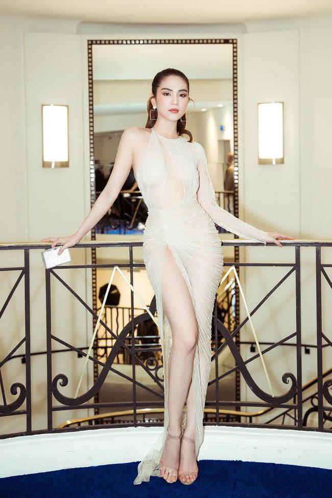 Dân tình ném đá đủ chưa, Ngọc Trinh tiếp tục hở bạo với bộ đầm xuyên thấu khác nào corset tại Cannes 2019 đây này-6