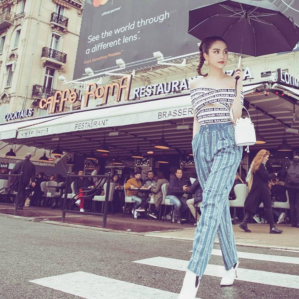 Dự thảm đỏ Cannes phản cảm bao nhiêu thì Ngọc Trinh lại được khen ngợi street style ấn tượng bấy nhiêu-1