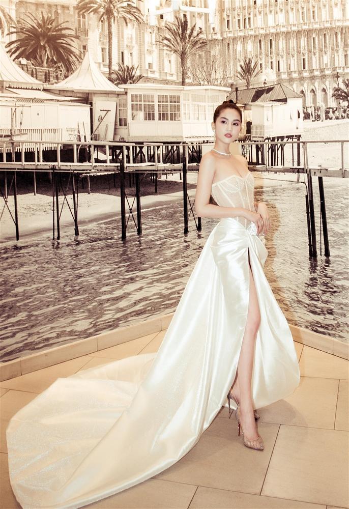 Dân tình ném đá đủ chưa, Ngọc Trinh tiếp tục hở bạo với bộ đầm xuyên thấu khác nào corset tại Cannes 2019 đây này-5