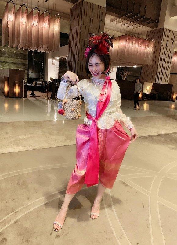 Chia tay showbiz nhưng ngầm đá đểu Chi Pu, Hương Tràm bị anti-fan mỉa mai trầm cảm gì mà vẫn khẩu nghiệp-7