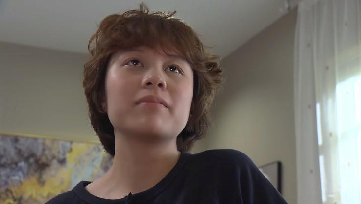 Ánh Dương kiếm tiền nuôi con của chị gái trong tập 29 Về Nhà Đi Con-3