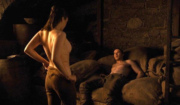 Sao hạng A quay cảnh nóng: Xấu hổ, kiệt sức và mắc ói-3