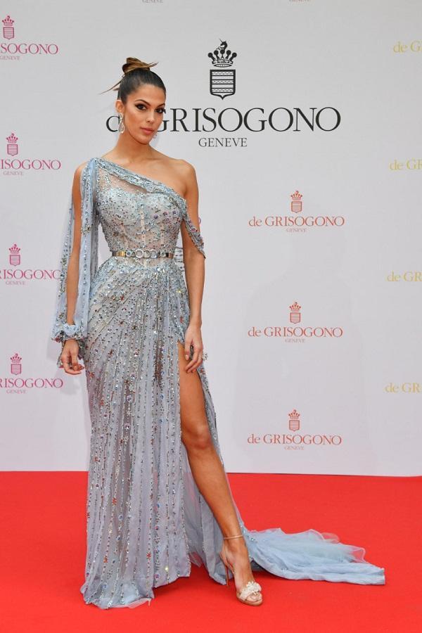 Ngắm đầm xuyên thấu đẹp mê hồn của Hoa hậu Hoàn vũ tại Cannes, lại phải nể sự táo bạo bất chấp của Ngọc Trinh-1