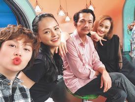 NGỚ NGẨN phim 'Về Nhà Đi Con': 3 chị em ruột cùng chung 1 bố đẻ ra nhưng lại mang 3 họ khác nhau