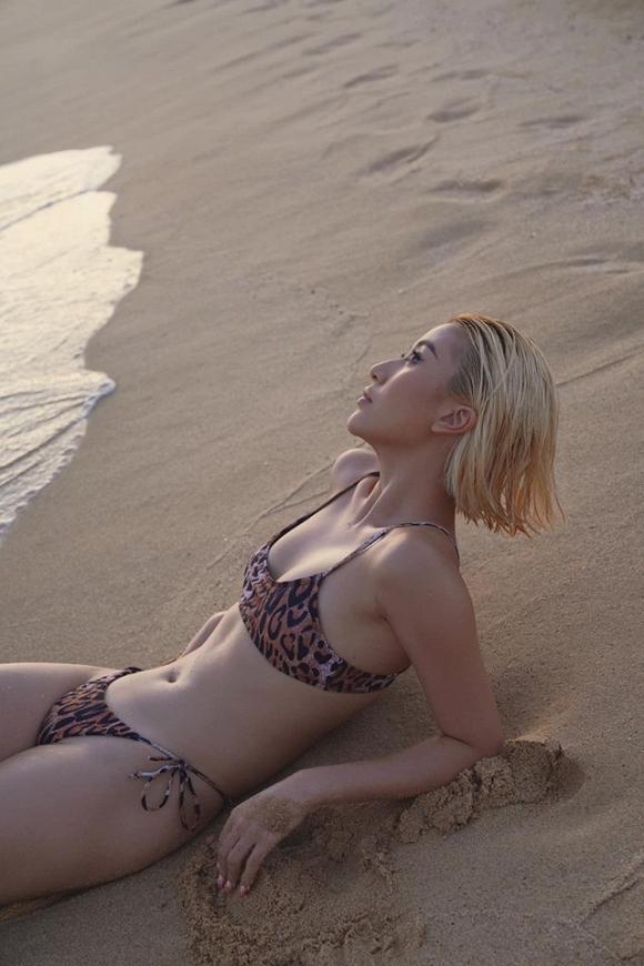 Chẳng cần phồn thực như ai, Quỳnh Anh Shyn vẫn tự tin diện bikini khoe dáng-6
