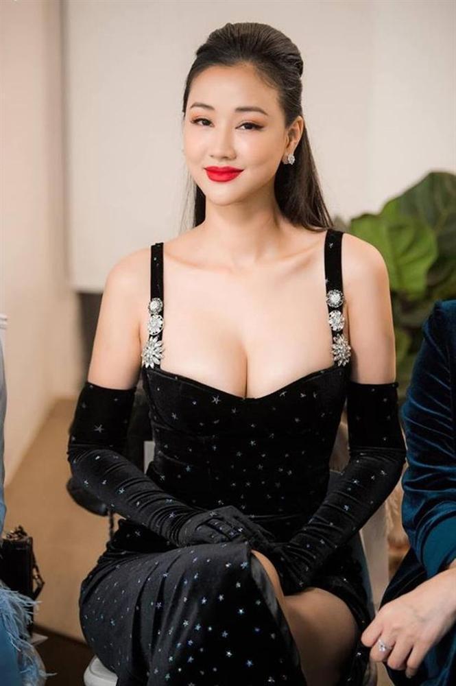Gu thời trang bốc lửa của mỹ nhân phim Vợ Ba-5