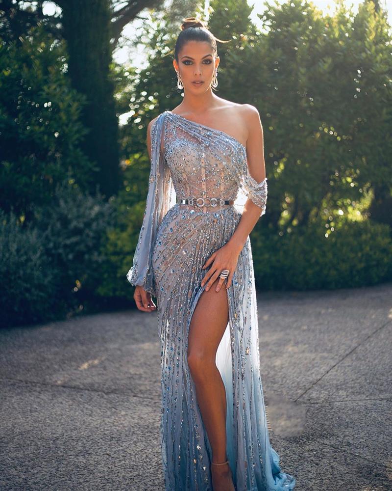 ĐẲNG CẤP LÀ ĐÂY: Hoa hậu Hoàn vũ diện đầm công chúa sáng rực trên thảm đỏ Cannes-12