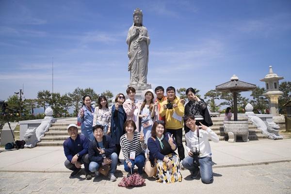 Trang Pháp- Lục Huy ghi hình lãng mạn như uyên ương phim Hàn-9