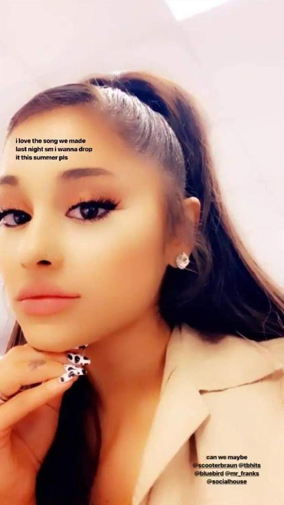 Ariana Grande gửi bài hát mới cho Charlie Puth nghe thử, và đây chính là phản ứng của anh chàng…-2