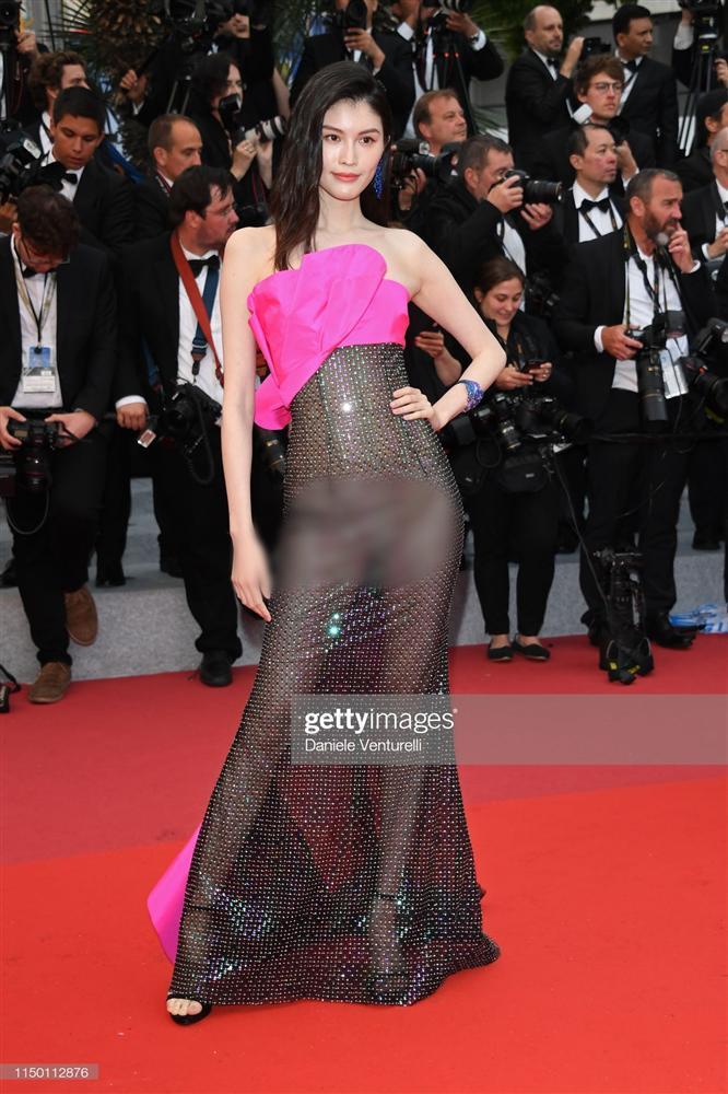 Top 10 bộ cánh thảm họa ở Liên hoan phim Cannes 2019, riêng Ngọc Trinh đã chiếm 3 bộ-5