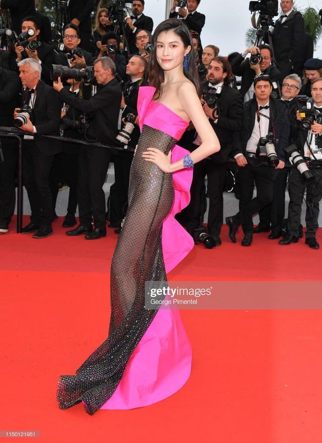 Top 10 bộ cánh thảm họa ở Liên hoan phim Cannes 2019, riêng Ngọc Trinh đã chiếm 3 bộ-6
