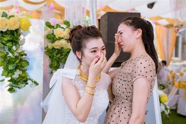 Bạn thân 20 năm: Chưa có chú rể đã đòi làm phù dâu, tiễn bạn lấy chồng thì khóc như mưa-2