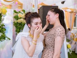 Bạn thân 20 năm: Chưa có chú rể đã đòi làm phù dâu, tiễn bạn lấy chồng thì khóc như mưa
