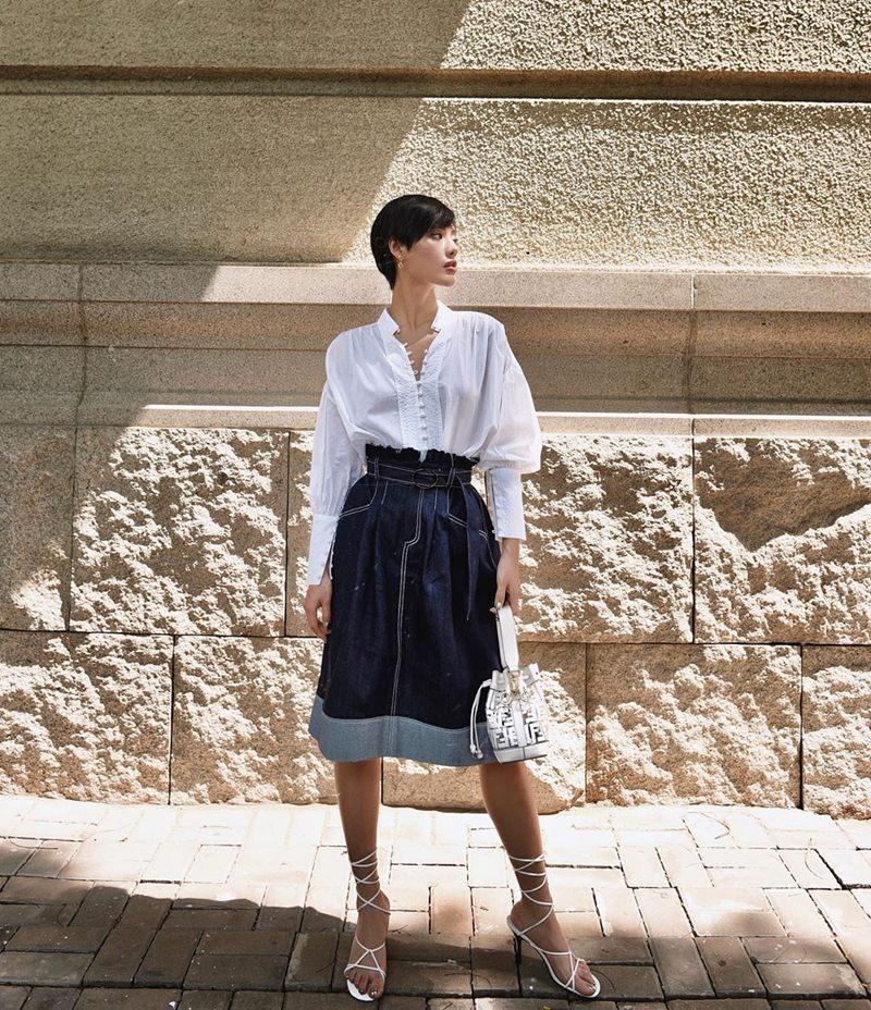Khoe street style gợi cảm với đầm hai dây, Chi Pu - Thiều Bảo Trâm khiến fan xịt máu mũi-7