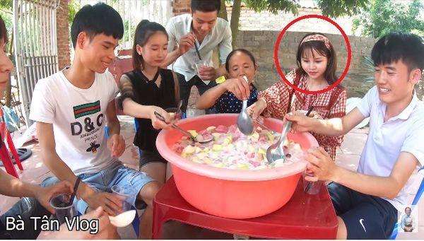 Gái xinh bị fans của Bà Tân vlog ném đá vì… xuất hiện trong các clip với lớp make up quá đậm-4