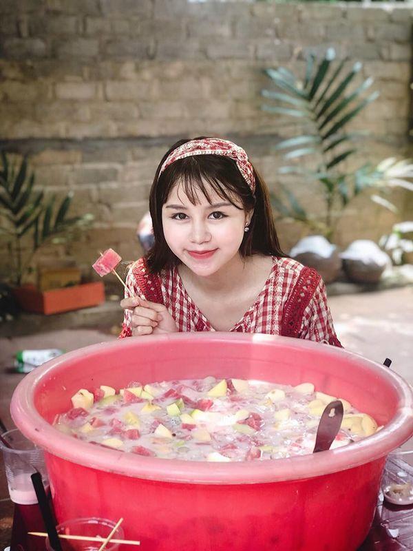Gái xinh bị fans của Bà Tân vlog ném đá vì… xuất hiện trong các clip với lớp make up quá đậm-6