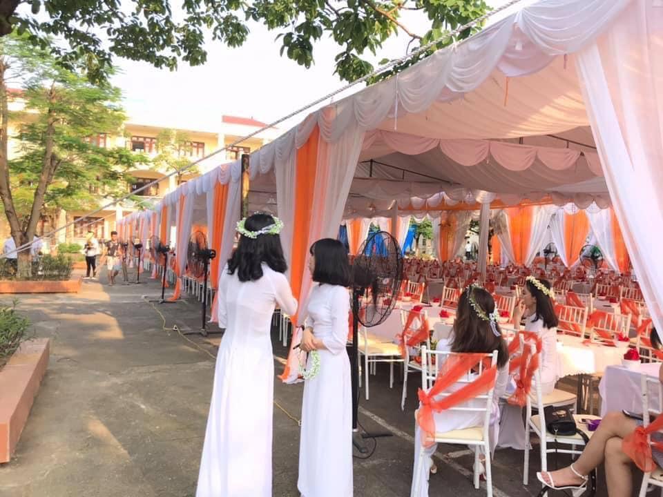 Xôn xao hình ảnh lễ bế giảng được trang trí như rạp cưới ở Thái Nguyên-3