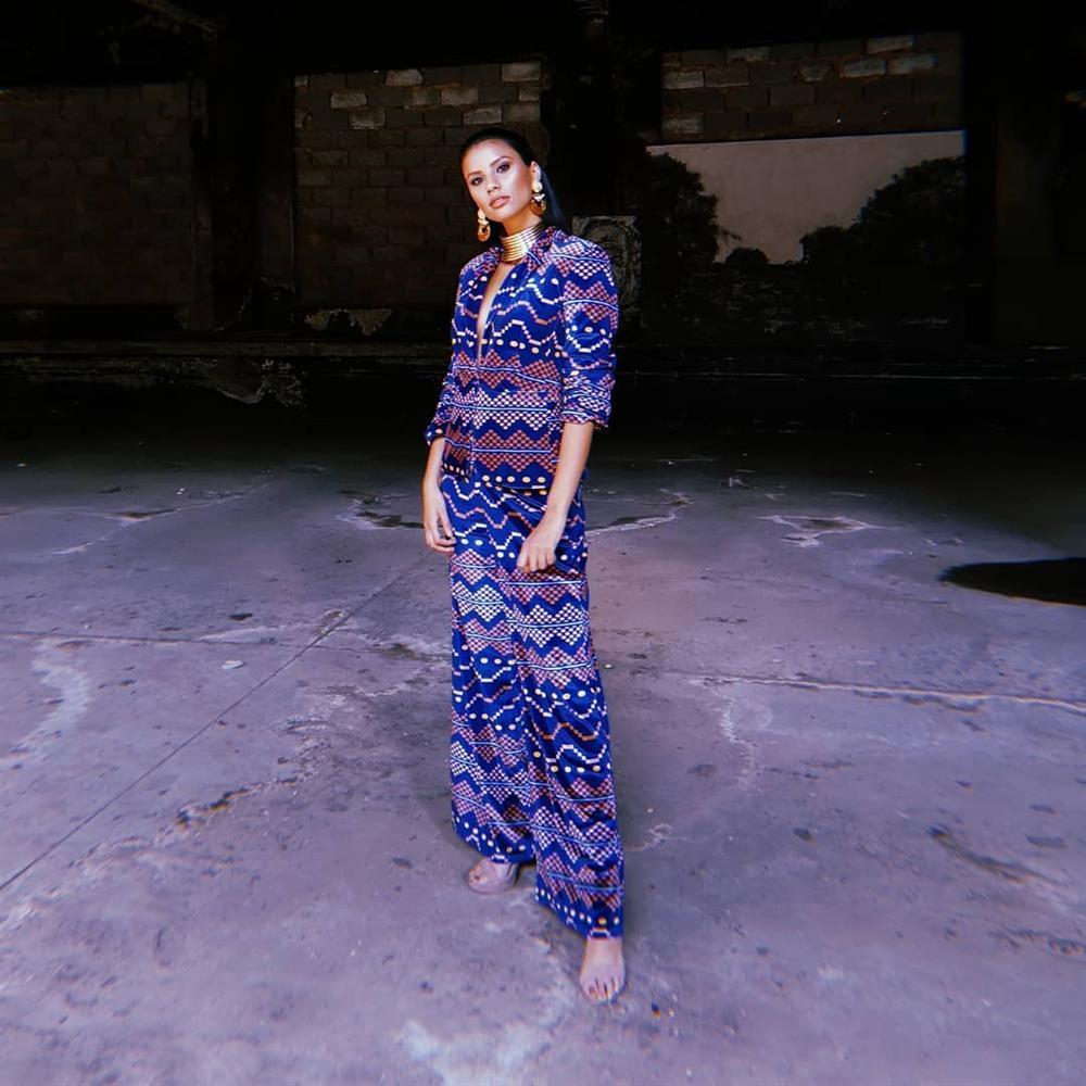 Bản tin Hoa hậu Hoàn vũ 23/5: Hoàng Thùy lên đồ xuất sắc, bất ngờ chặt đẹp đối thủ người Mỹ-11