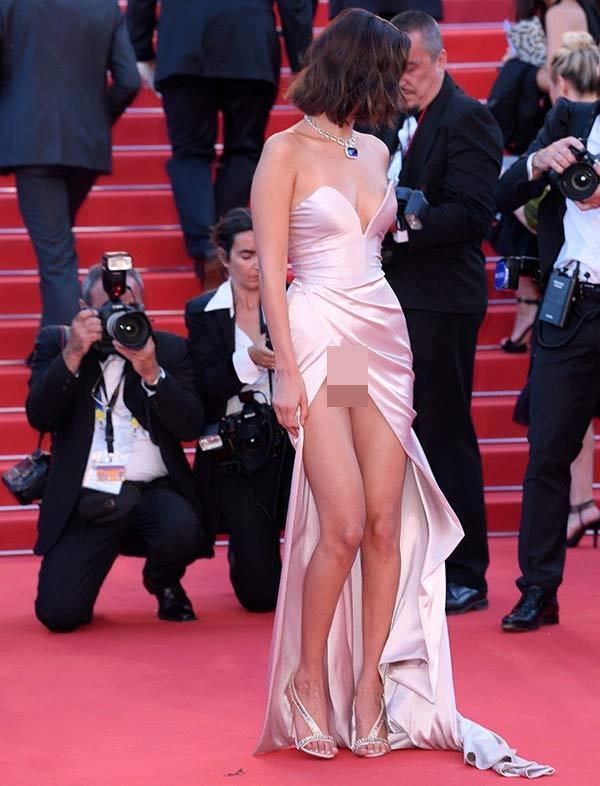 Người mẫu xinh đẹp Brazil hết hồn vì tụt váy bất ngờ ngay trên thảm đỏ Cannes-5