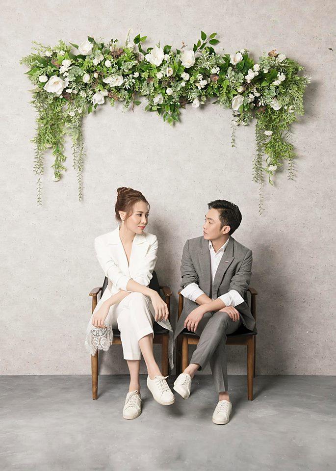Không cần chờ đợi nữa, Đàm Thu Trang chính thức hé lộ hình ảnh mặc váy cưới đẹp tinh khôi-5