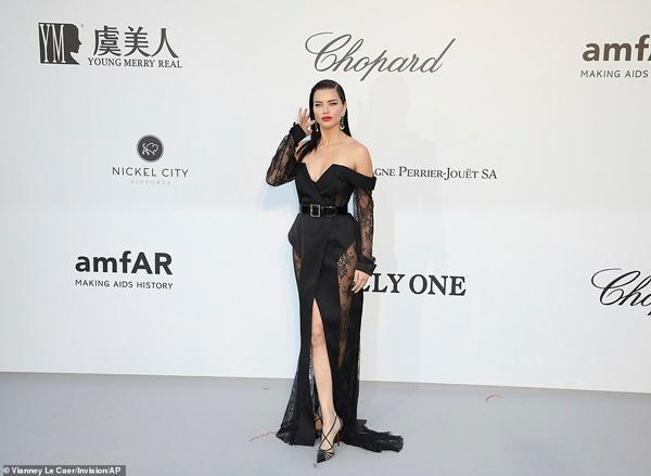 Dàn siêu mẫu thác loạn nhiệt tình trong tiệc thời trang hậu Cannes-3