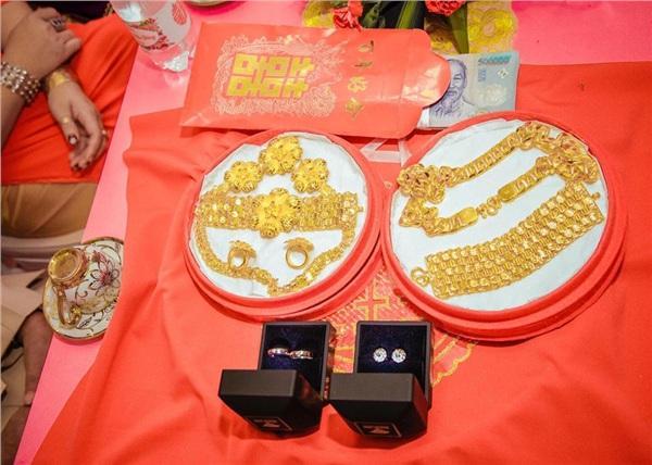 Lại thêm một đám cưới có của hồi môn khủng: Tính vội tiền vàng cũng bằng cả gia tài-8