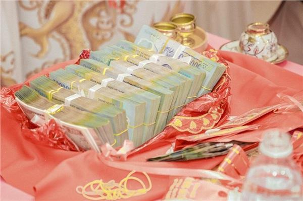 Lại thêm một đám cưới có của hồi môn khủng: Tính vội tiền vàng cũng bằng cả gia tài-7