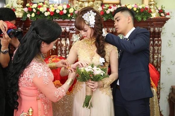 Lại thêm một đám cưới có của hồi môn khủng: Tính vội tiền vàng cũng bằng cả gia tài-1
