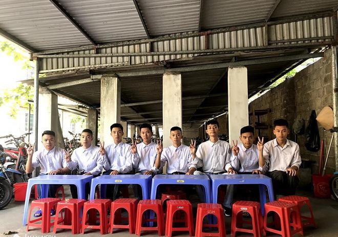 Biểu cảm mặt đơ chụp trăm kiểu như một, bộ ảnh kỷ yếu hài hước của teen Quảng Ninh khiến người xem không share không được-10