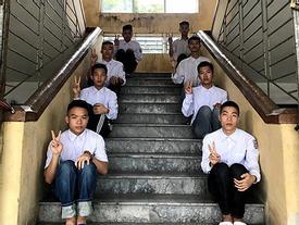 Biểu cảm mặt đơ chụp trăm kiểu như một, bộ ảnh kỷ yếu hài hước của teen Quảng Ninh khiến người xem không 'share' không được