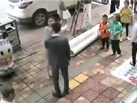 Chàng trai chịu 52 cái tát 'không trượt phát nào' của bạn gái