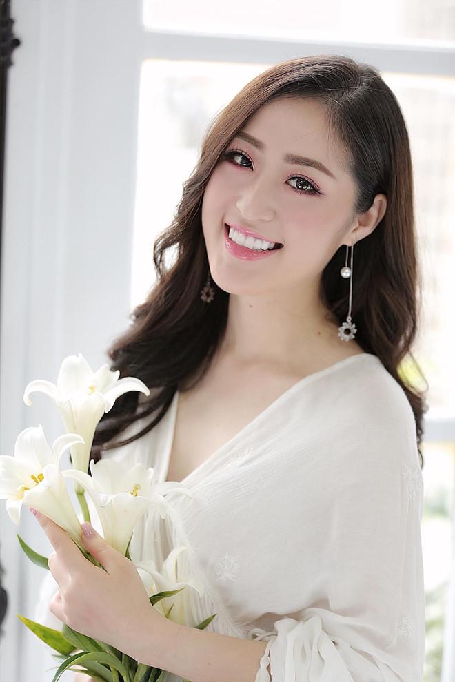 Dân mạng phát sốt với nữ MC thời tiết của truyền hình Quảng Ninh-3