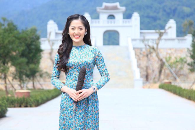 Dân mạng phát sốt với nữ MC thời tiết của truyền hình Quảng Ninh-2