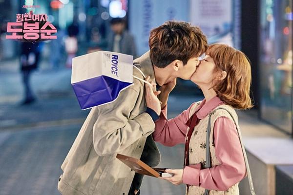 8 phim Hàn gây bão nhờ cặp chính diễn quá tình-1