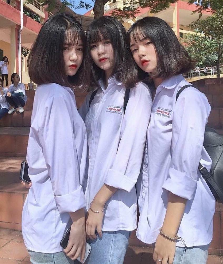 Khoe ảnh trong lễ tổng kết năm học, 4 nữ sinh ở Yên Bái chiếm mọi spotlight vì ngoại hình cực xinh đẹp-1