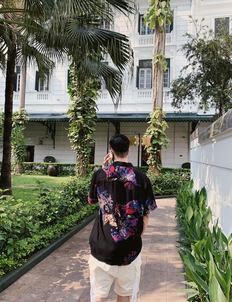 Quay lưng với khán giả hướng dẫn tập luyện, bạn gái Đặng Văn Lâm vẫn đốt mắt người nhìn khi sở hữu 3 vòng nóng bỏng-5