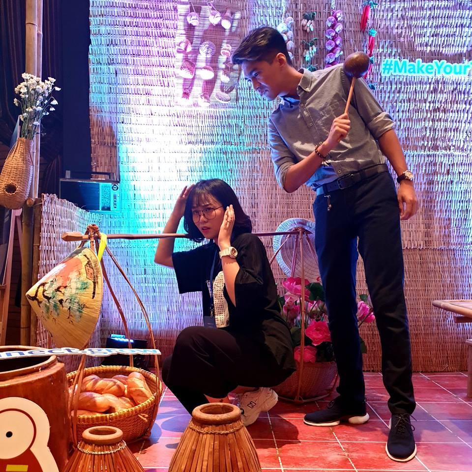 Quay lưng với khán giả hướng dẫn tập luyện, bạn gái Đặng Văn Lâm vẫn đốt mắt người nhìn khi sở hữu 3 vòng nóng bỏng-6