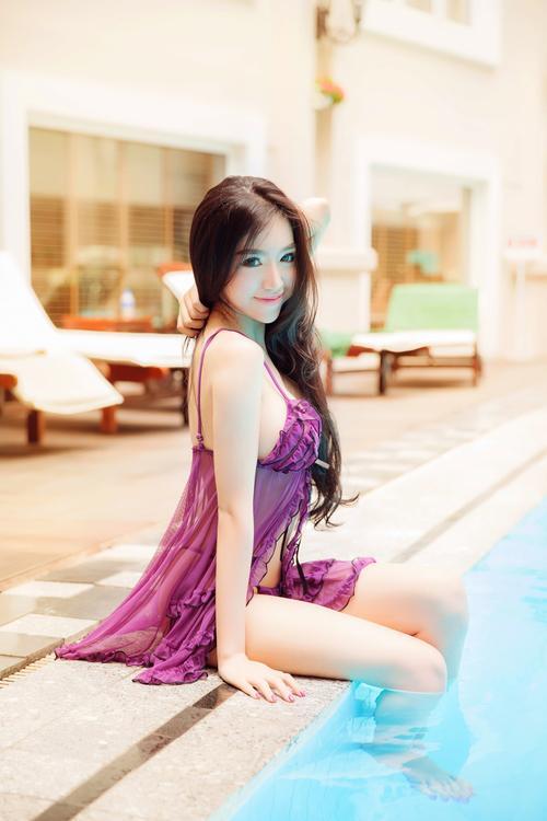 Dàn mỹ nhân Việt từ khoe thân táo bạo bỗng trở nên kín đáo ngoan hiền: Bất ngờ nhất vẫn là Angela Phương Trinh-6