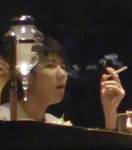 Đại chúa tể nguy cơ hoãn chiếu vì bê bối hút thuốc của sao 19 tuổi-2