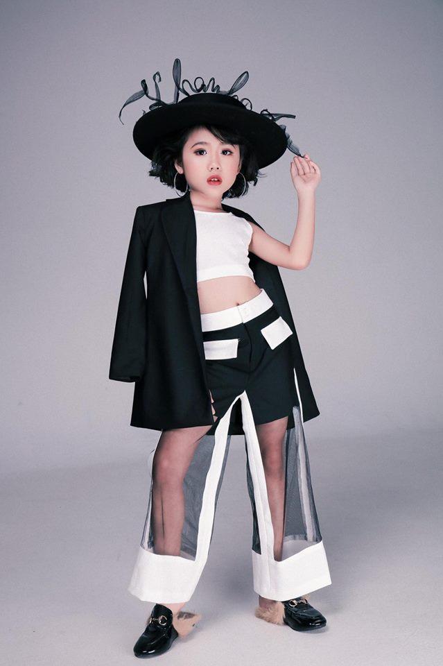 Khánh An - mẫu nhí từng được nữ hoàng tạo dáng Coco Rocha khen hết lời tái xuất khiến Chí Tài, Việt Hương hết hồn-5