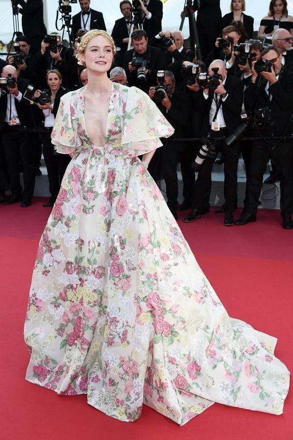Bộ váy tai tiếng của Ngọc Trinh không hề lọt Top trang phục đẹp nhất Cannes trên tạp chí uy tín-5